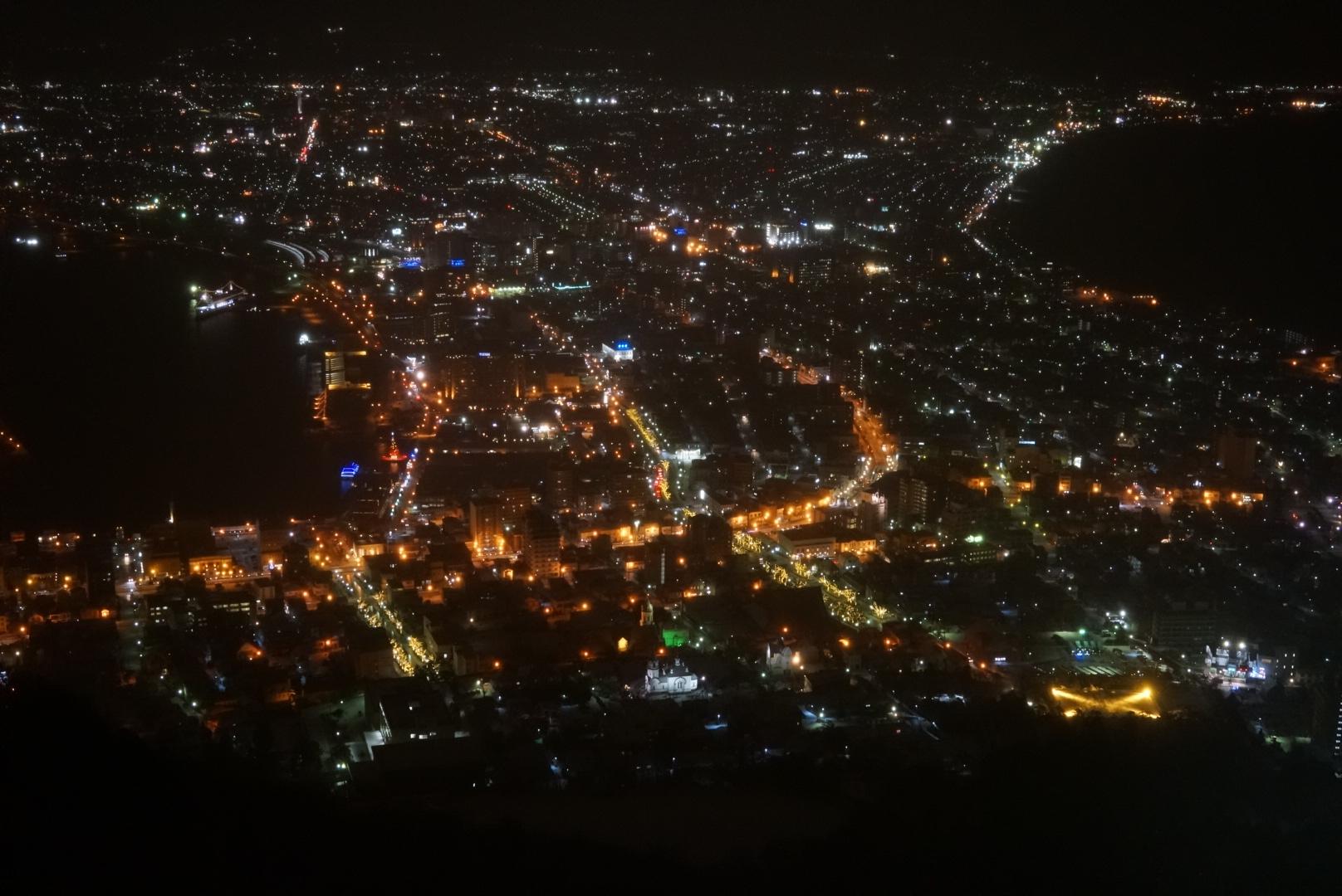 冬の函館山の夜景はオレンジの光が美しい!!(北海道函館市)