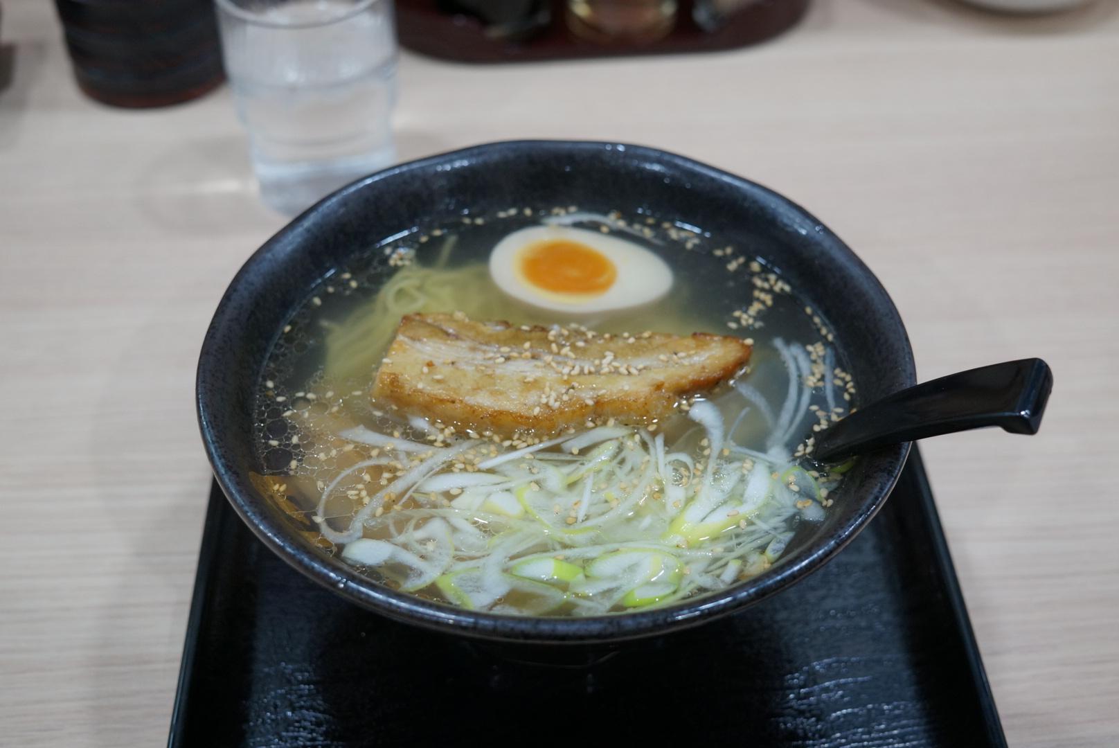 函館麺屋四代目の4代目炙り塩はシメにオススメです(北海道函館市)