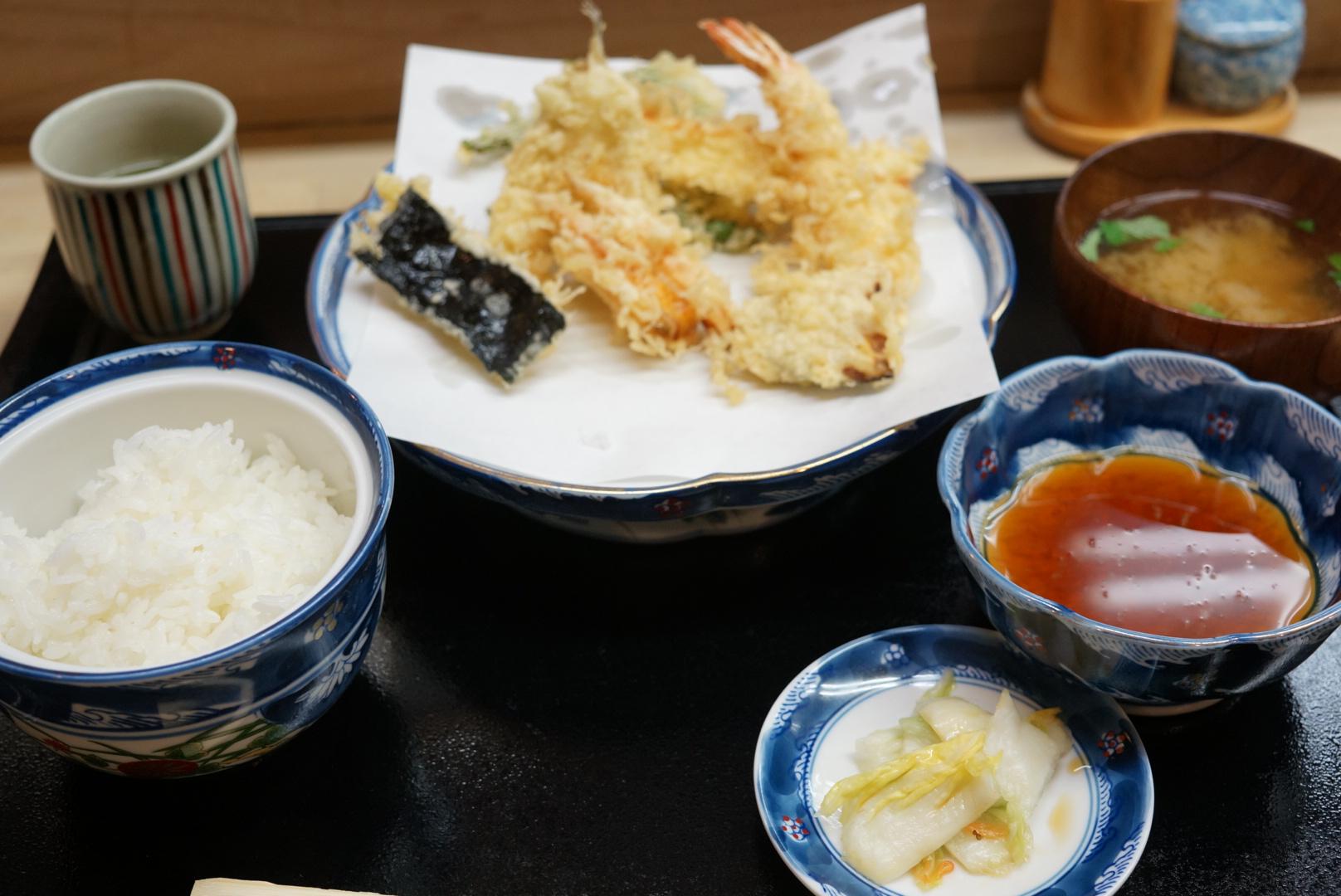 鮮度が命!な天ぷらいもやの天ぷら定食(弘前市)