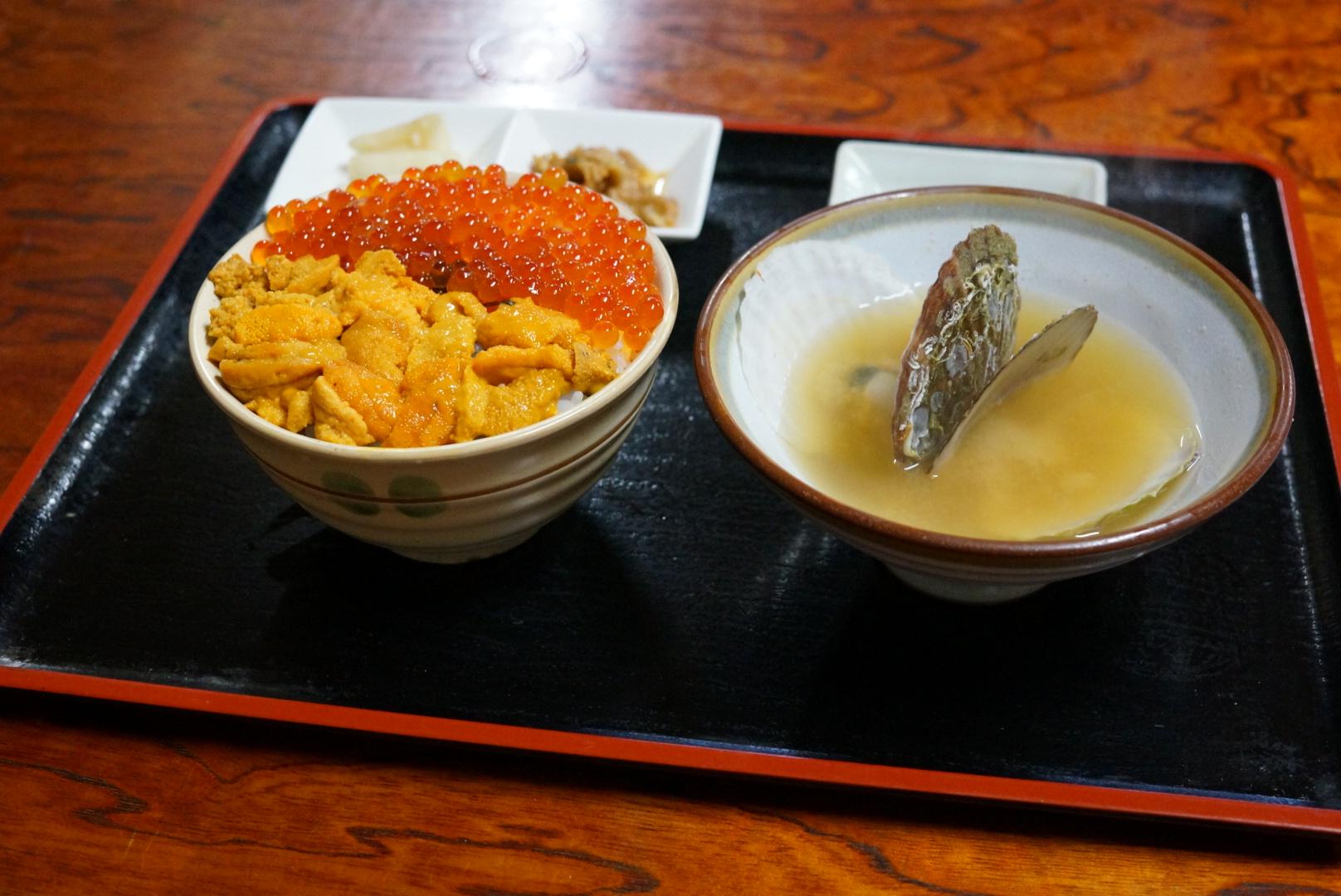 【閉店しました】ろくさん食堂の2色丼(青森市)