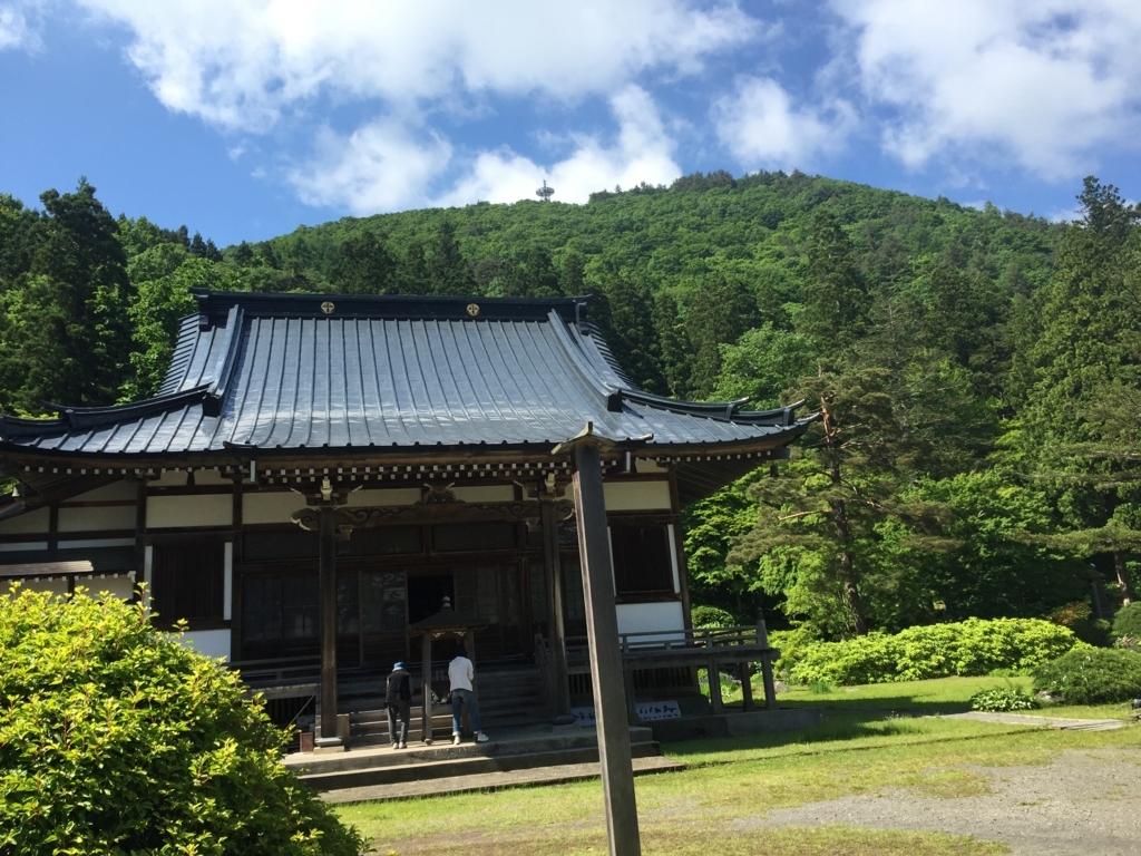 花菖蒲が綺麗な森の中にある黒石のお寺浄仙寺(黒石市)