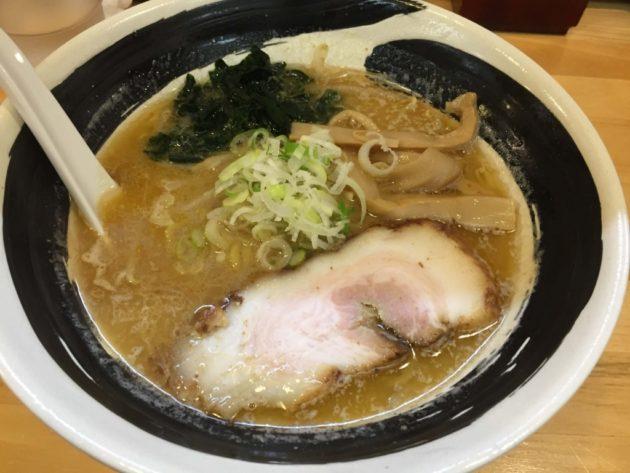 麺屋たか虎の魚介白味噌ラーメン