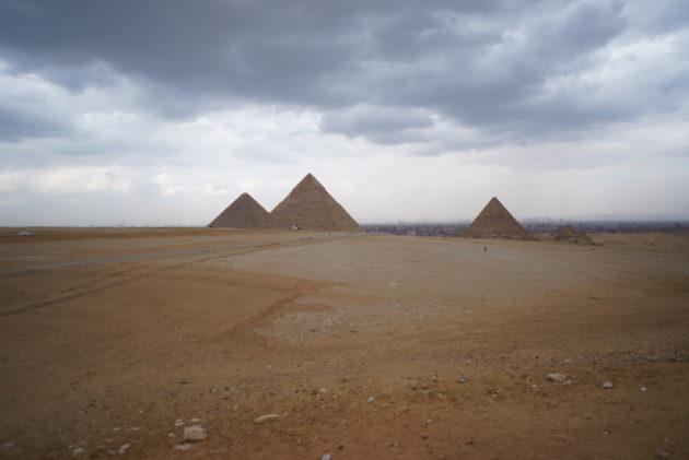 ギザの三大ピラミッドの風景写真