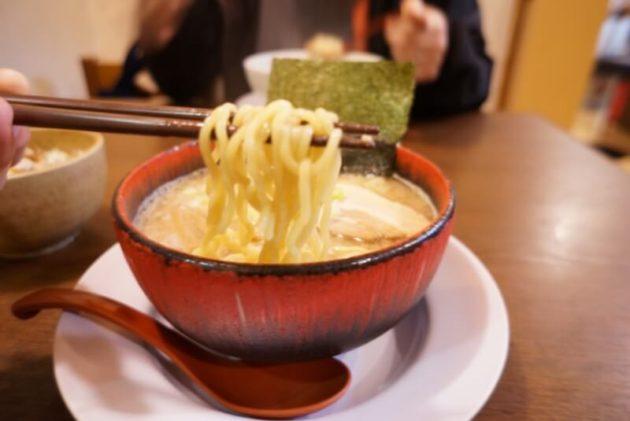 らーめん煌の煌そばの麺リフト