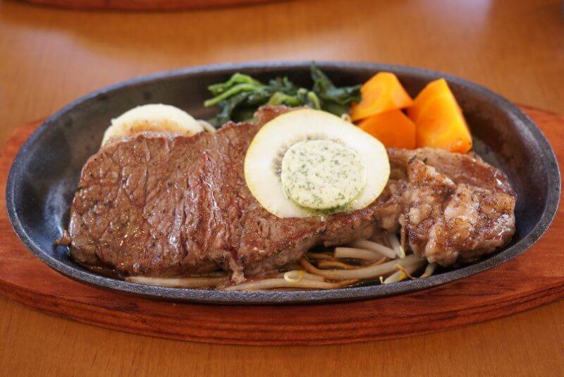 ステーキ食堂ミートソルジャーの牛ステーキ