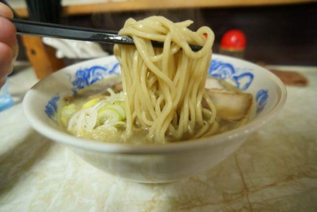 中華そば八助の特選煮干の麺リフト