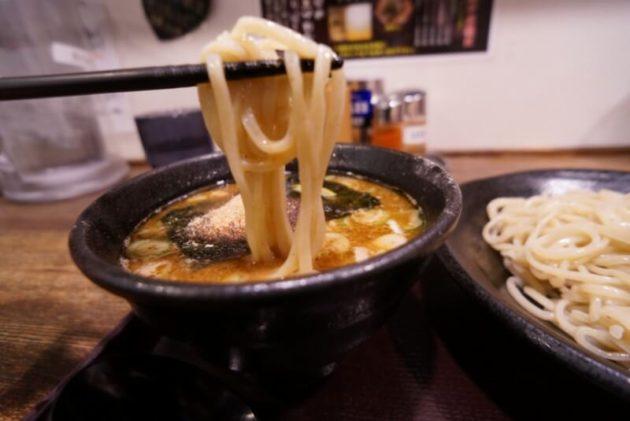 麺屋幡 弘前店のつけ麺並の麺リフト