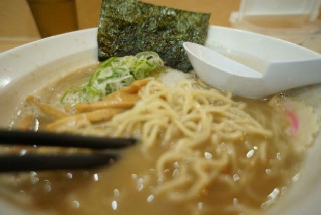 麺房十兵衛 藤崎店の特濃醤油のアップ