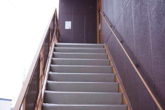 ギャレスのアジトの階段