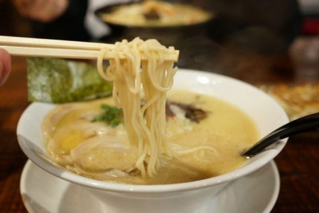 弘前 いちろのチャーシュー麺の麺リフト