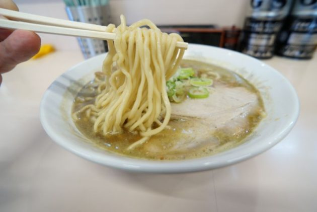 たかはし中華そば店の中華そばコイアブの麺リフト