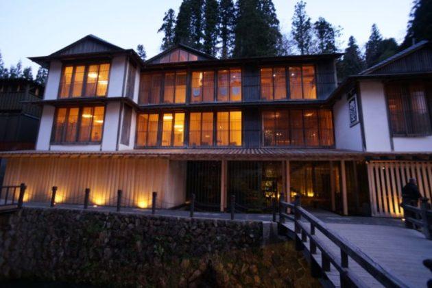夜の銀山温泉の景色6