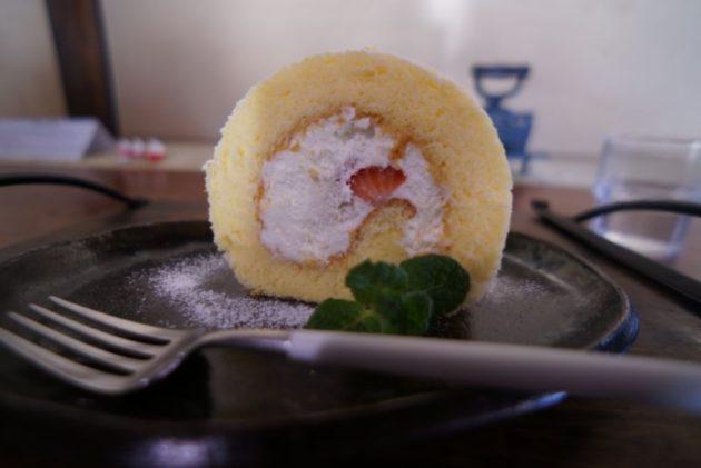 大内宿のカフェ分家玉やのロールケーキ