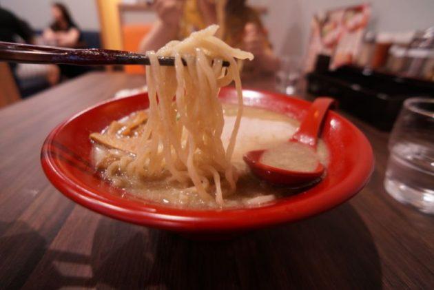 shin.煮干し専門青森本部のにぼちゅう塩の麺リフト