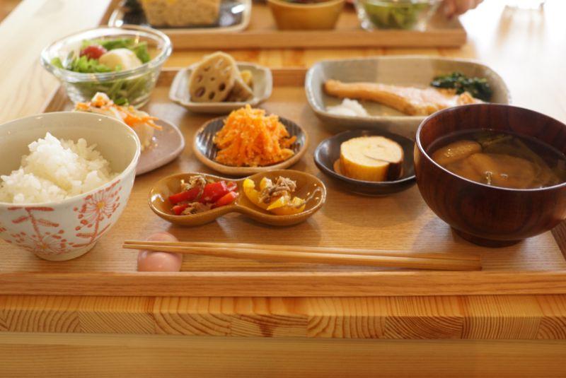 くじらのもりは美味しい食事といやし空間のほっこりカフェでした(平川市)