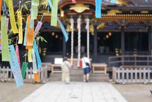 大崎八幡宮の御社殿と七夕飾り2