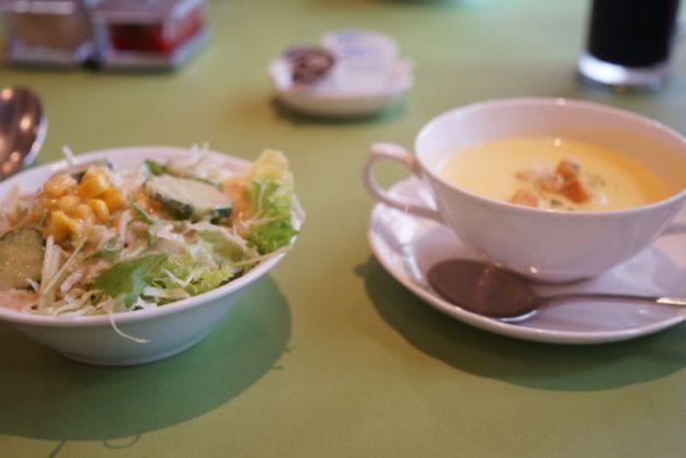 河童亭MASAYUKIのセットのスープとサラダ