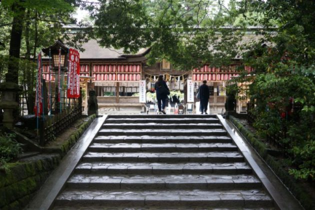 大崎八幡宮の最後の石段
