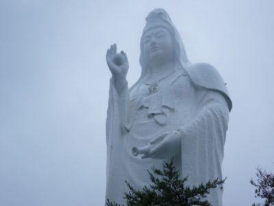 大観密寺・仙台大観音近くで見ると半端ないデカさ