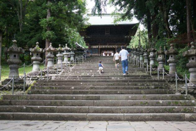 仙台東照宮の長く続く石段