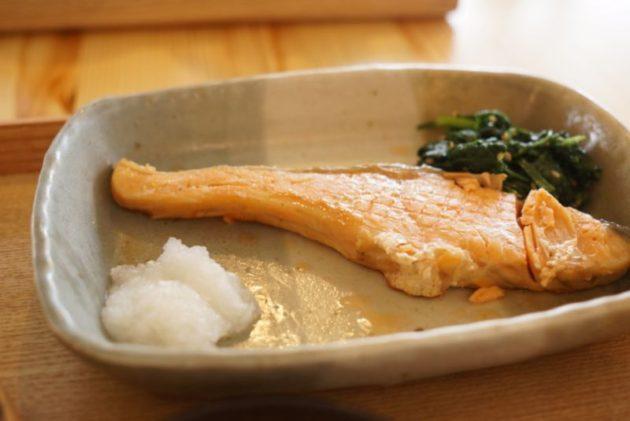 くじらのもりのくじらのもり定食の鮭