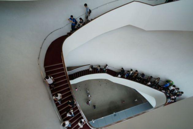台中国立歌劇院の螺旋階段