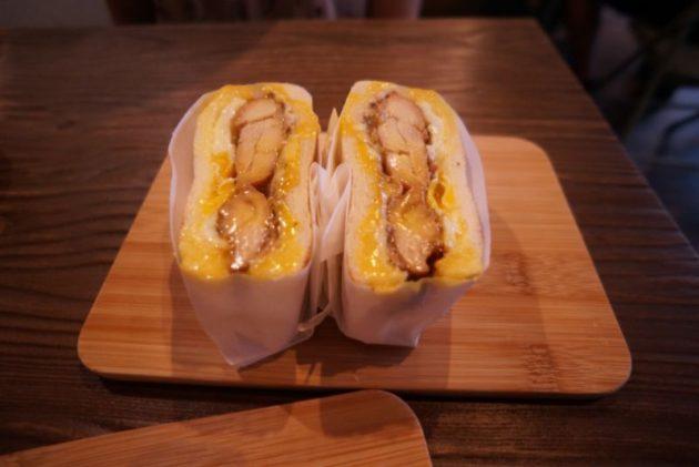 良粟商號の炭焼鶏もも肉卵