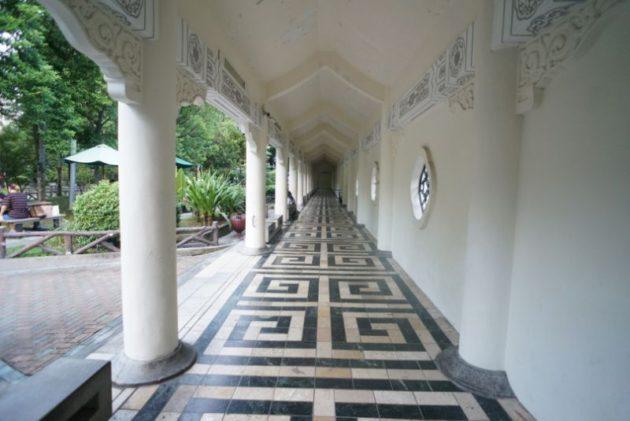 中正記念堂の模様が綺麗な廊下