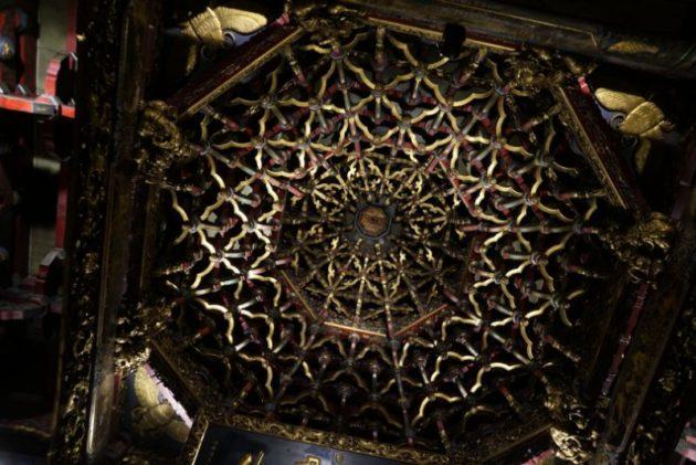 龍山寺の山寺の天井