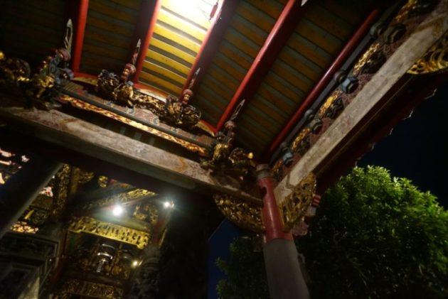 龍山寺はとにかく細部まで細かい