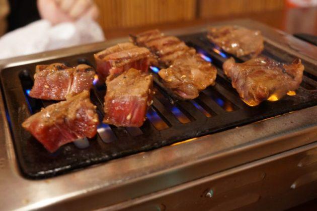 もつ焼屋 炙ジョッの牛サガリとフィレ1