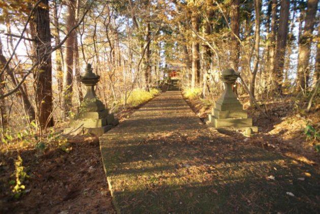 愛宕山橋雲寺奥の院が見えてきました