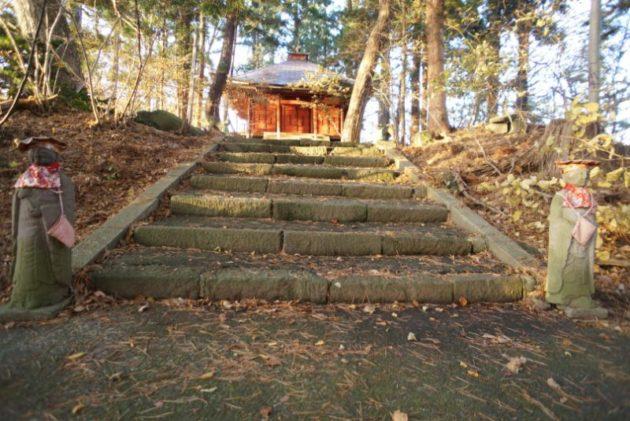 愛宕山橋雲寺お地蔵様と奥の院