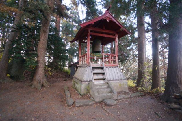 愛宕山橋雲寺の鐘