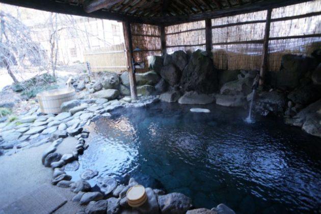 青荷温泉の露天風呂