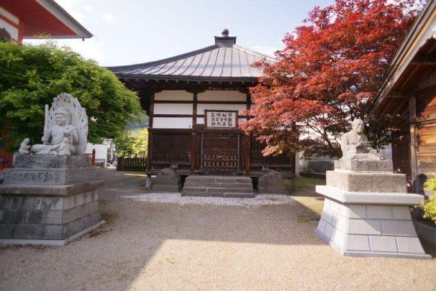 神岡山大円寺の旧大日堂達