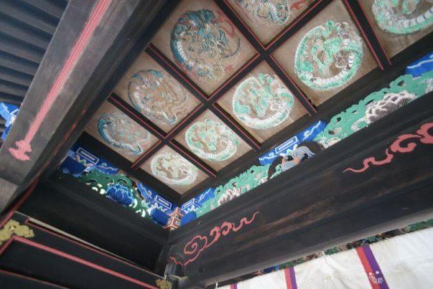 岩木山神社の中門の内側