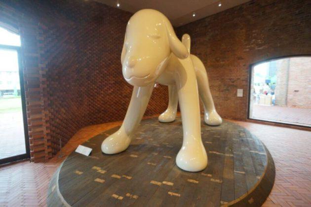 弘前れんが倉庫美術館のひろさき犬