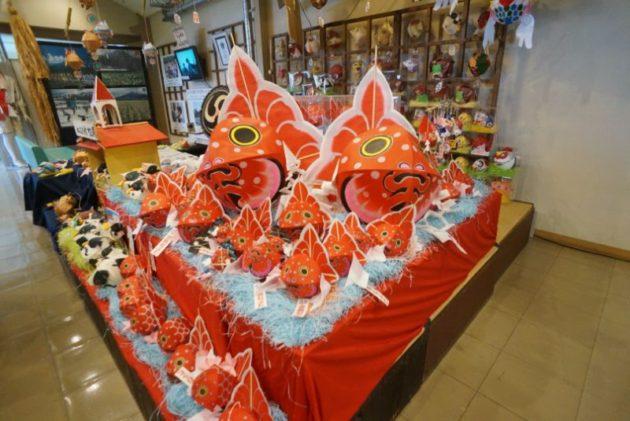 津軽藩ねぷた村のたくさんの金魚ねぷた