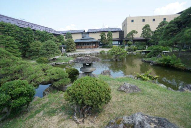 津軽藩ねぷた村の中庭
