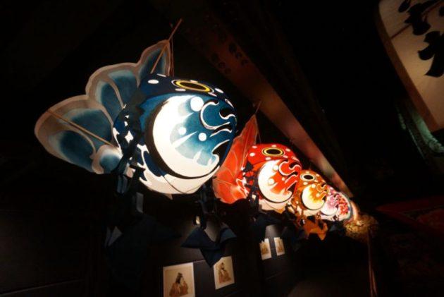津軽藩ねぷた村のカラフルな金魚ねぷた