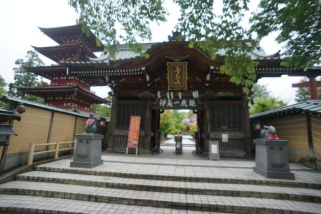金剛山最勝院の仁王門
